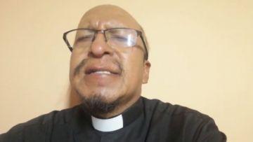 El padre Miguel Albino reflexiona sobre la pobreza y la opulencia