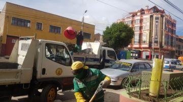 Emap realiza la limpieza de basurales en varias zonas de Potosí