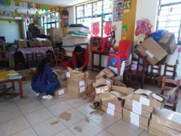 Distribuyen material educativo para inicial y primaria