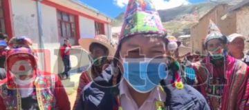 Candidato Edilberto Chambi votó en la provincia Charcas
