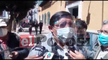 Transporte interdepartamental se moviliza en la ciudad de La Paz