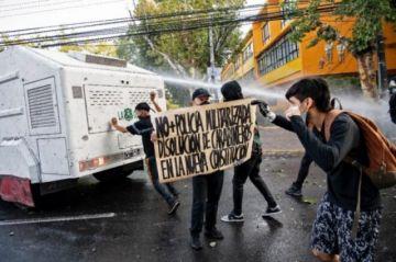 Chile avanza entre incertidumbre e ilusión a una histórica elección de constituyentes