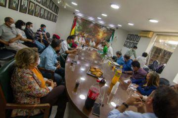 Cívicos exigen amnistía para 'presos políticos' y advierten con un paro si persisten las aprehensiones