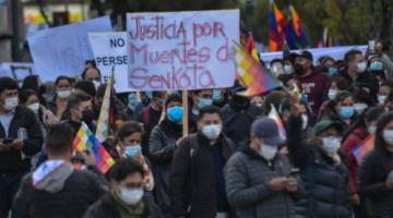 Afines al MAS marchan en demanda de justicia y Conade alista cabildo para defender la democracia