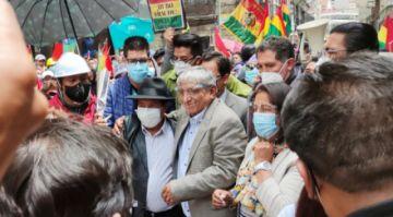 """Ivan Arias dice que """"quieren evitar su posesión"""" como alcalde de La Paz"""