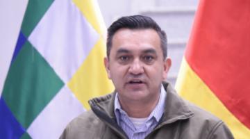 Activan alerta migratoria en contra del exministro Yerko Núñez