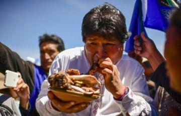 """Bolivia vive """"cansada"""" la confrontación política por la figura de Morales, dicen expertos a la AFP"""