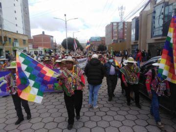 Marcha de organizaciones afines al MAS recorre las calles de Potosí