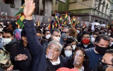Tras presentarse otra vez en la Fiscalía, Arias pide paz para La Paz y no persecución