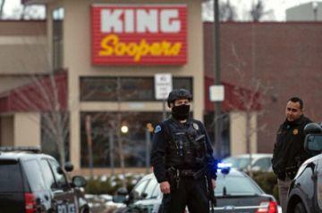 Reportan que hay 10 muertos en un tiroteo en supermercado de Colorado