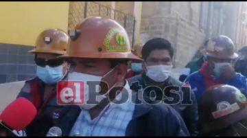 """Los cooperativistas mineros de """"Unificada"""" marchan en """"son de paz"""""""