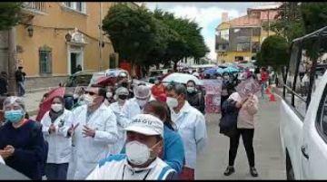 Marcha de sanitarios recorre las calles de Potosí