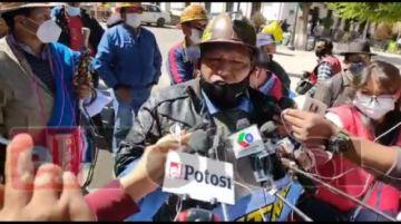Comunarios de Machacamarca piden que empresa minera Alcira respete sus tierras