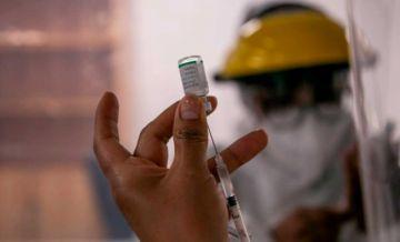 Revelan que algunos profesionales en salud no se inmunizaron, porque prefieren esperar 'otra vacuna'