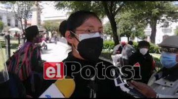 Viudas de médicos fallecidos por coronavirus demandan cumplimiento de decreto de indemnización