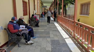 """Neumólogo boliviano alerta de una """"catástrofe sanitaria"""" si no se cierra fronteras con Brasil"""