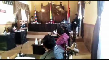 Concejales analizan anular resolución que designó a Carmona como alcalde