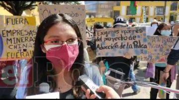 Comunarios marchan en defensa del agua y contra la contaminación minera