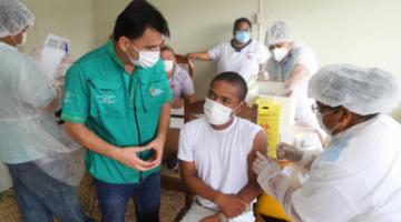 Santa Cruz siguen sin vacunación y hay 350 mil personas con enfermedades de base en riesgo