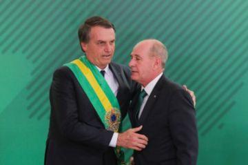 Bolsonaro reorganiza su gabinete bajo la presión de la pandemia