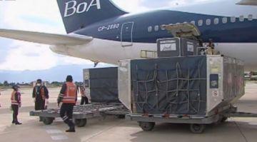 Llegan 200.000 dosis de vacunas chinas Sinopharm a Cochabamba
