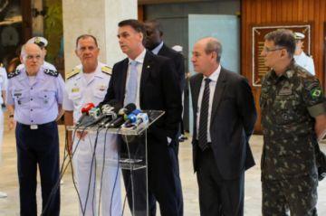 Bolsonaro releva a la cúpula militar, tras vasta reforma ministerial en Brasil