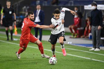 Alemania se complica el camino a Catar-2022