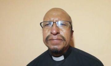 El padre Miguel Albino comparte la alegría de la pascua