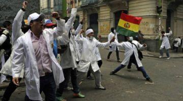 Médicos anuncian que este lunes iniciarán bloqueo de carreteras contra Ley de Emergencia