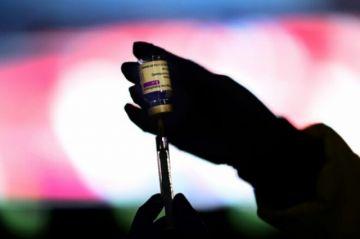 Un responsable de la EMA confirma un vínculo entre la vacuna de AstraZeneca y las trombosis