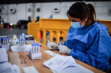 Reportan récord de 20.870 casos de covid-19 en un solo día en Argentina