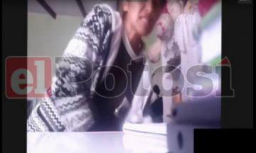 Una niña es agredida por su madre en plena clase virtual Zoom