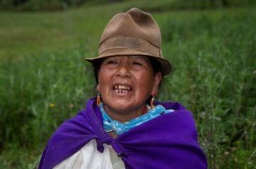 Los indígenas, un voto tan decisivo como dividido en Ecuador