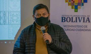 Exviceministro Lazcano pide disculpas por la campaña tildada de machista