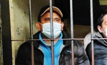 Juez autoriza por 'razones humanitarias' que el exministro Guzmán asista al entierro de su padre
