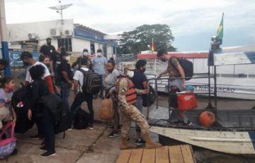 Navales detienen en Guayaramerín a 11 cubanos indocumentados