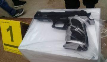 El Alto: Con un arma de juguete, hombre irrumpió en la empresa que le debe beneficios sociales