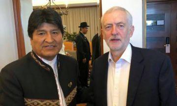 Un político británico recibió críticas por tuitear sobre Bolivia en medio del luto por el príncipe Felipe