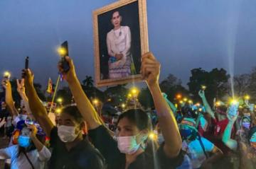 Surgen nuevas denuncias penales en Birmania contra Aung San Suu Kyi