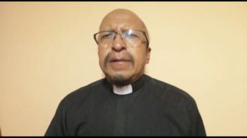 El padre Miguel Albino reflexiona sobre la libertad y los carceleros