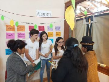 La Cooperación Suiza comparte experiencias de estudiantes que ayudan a prevenir la violencia de género en sus universidades
