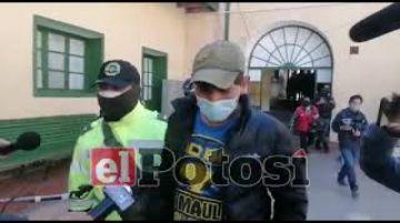 Policía aprehende a dos personas por beber en la plaza Simón Bolívar