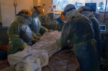 """""""Hasta que los muertos no sean tus muertos"""" no te tomarás en serio el covid, avisan desde hospital uruguayo"""