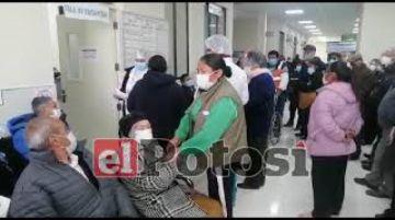 Adultos mayores reclaman falta de organización en la CNS