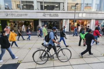Oficinas privadas reabren en Ciudad de México ante descenso de casos de covid