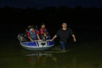EEUU lanza operación contra redes trasnacionales de tráfico de migrantes