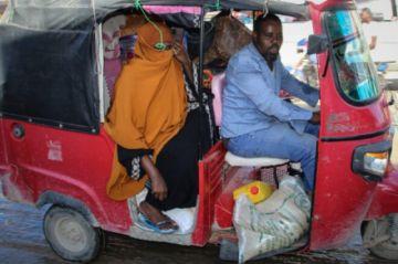 El presidente de Somalia llama a elecciones para rebajar la tensión
