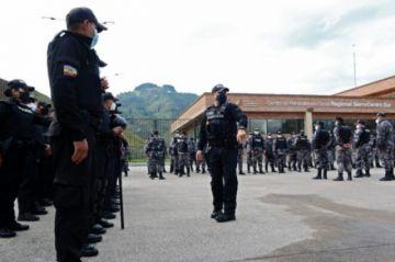 Enfrentamiento a bala entre presos deja cinco muertos y 15 heridos en cárcel de Ecuador