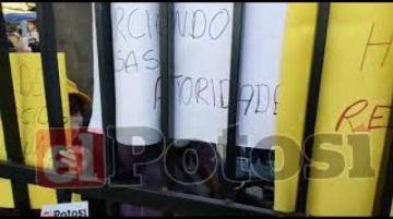 Comunarios exigen liberación de cuatro detenidos por avasallamiento