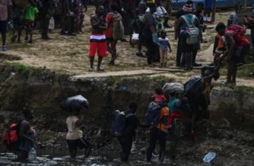 Panamá y Colombia logran acuerdo para atender masivo ingreso de migrantes